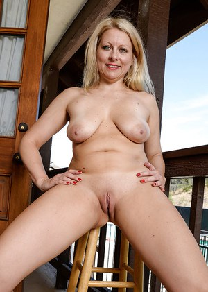 Shaved Pussy Porn Pics